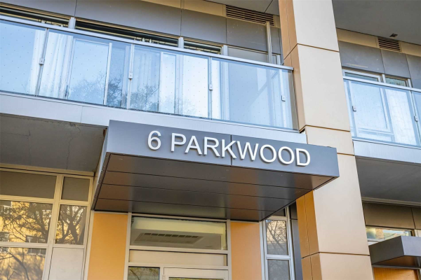 6 Parkwood Ave