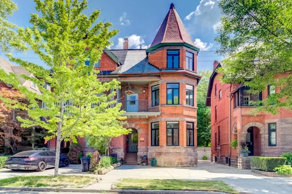 101 Bedford Rd, Toronto