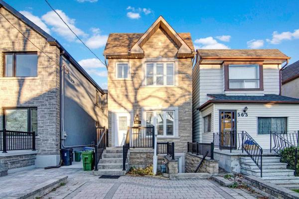 565 Delaware Ave N, Toronto