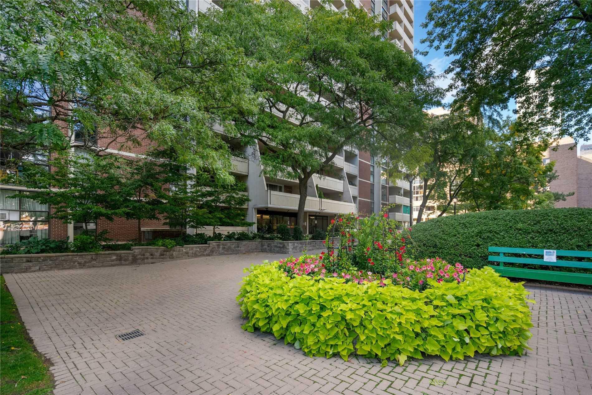 #803 - 40 Homewood Ave, Toronto