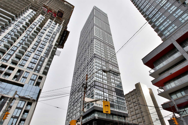 181 Dundas St, Toronto