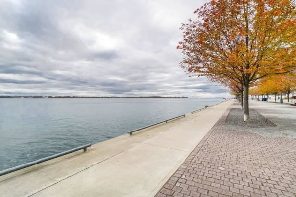 39 Queens Quay E Way, Toronto