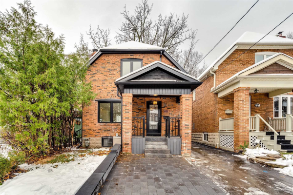 611 Hillsdale Ave E, Toronto