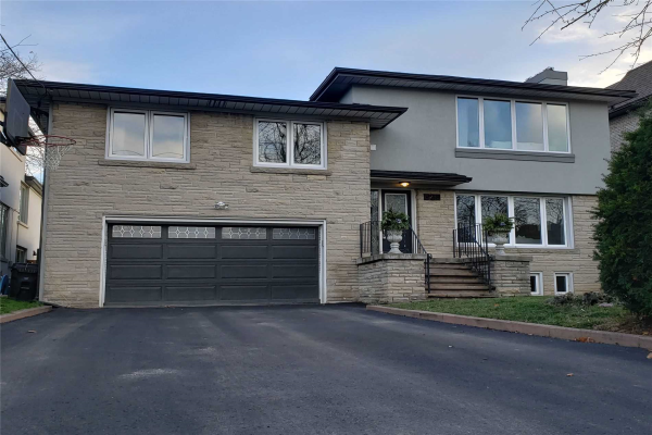 325 Betty Ann Dr, Toronto