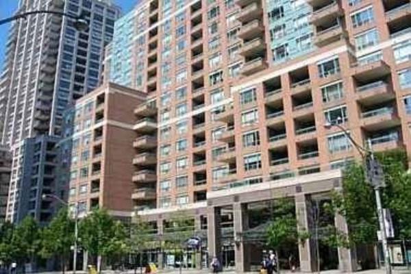 887 Bay St, Toronto