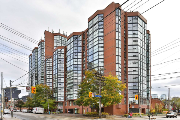 725 King St W, Toronto