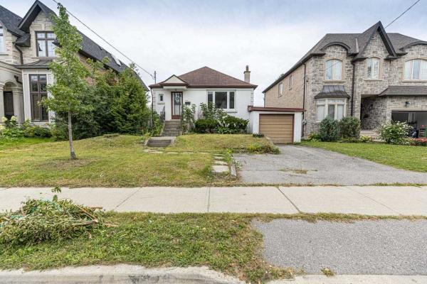 103 Patricia Ave, Toronto