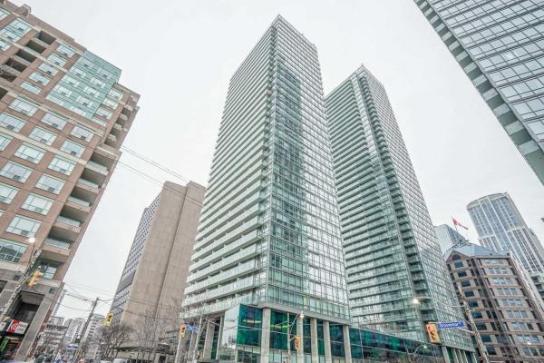 37 Grosvenor St, Toronto