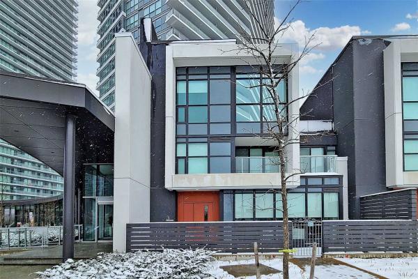 113 Mcmahon Dr, Toronto