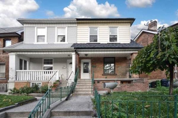 300 Montrose Ave, Toronto