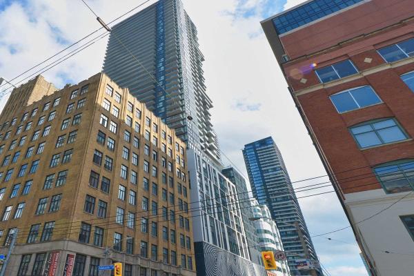 87 Peter St N, Toronto