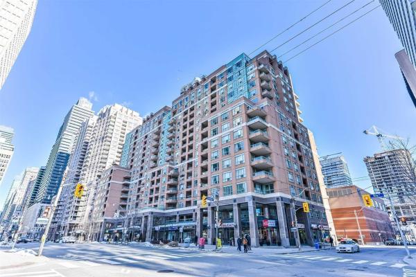 889 Bay St, Toronto