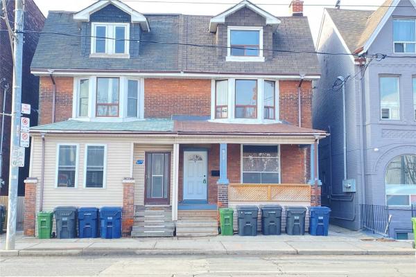 674 Bathurst St, Toronto