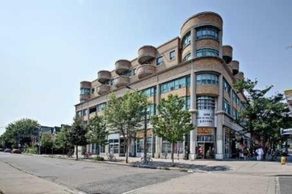8 Oxford St, Toronto