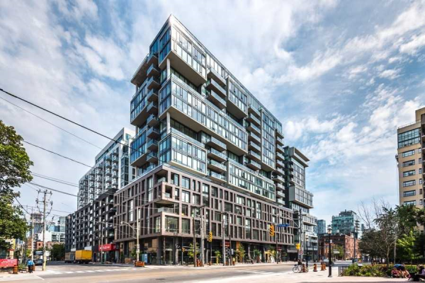 111 Bathurst St, Toronto