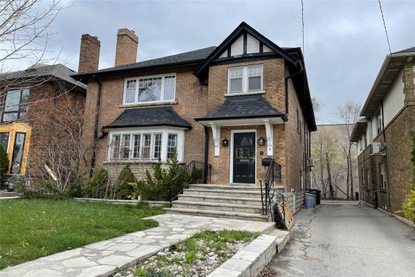 4 Hillholm Rd, Toronto