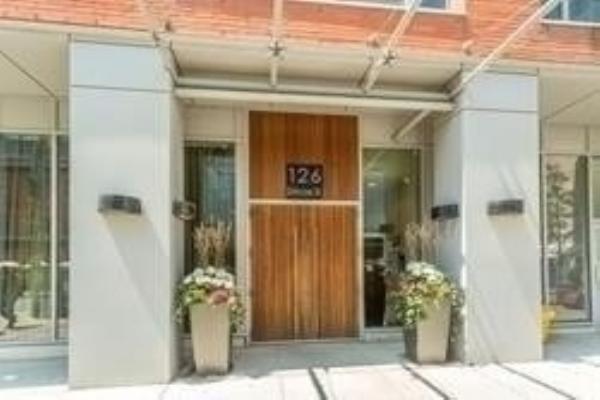 126 Simcoe St, Toronto