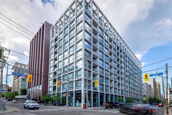 39 Brant St, Toronto