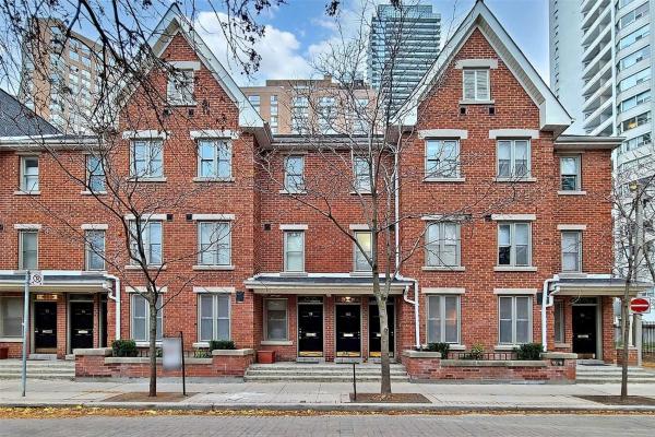 80 St Nicholas St, Toronto