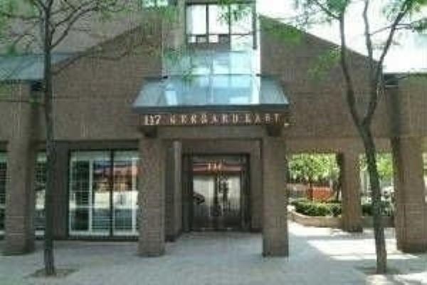 117 Gerrard St St, Toronto