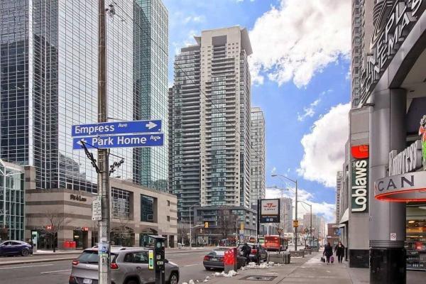 5168 Yonge St, Toronto