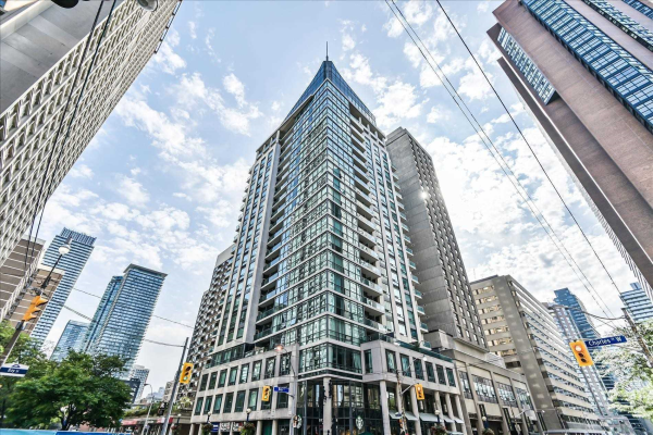1121 Bay St, Toronto