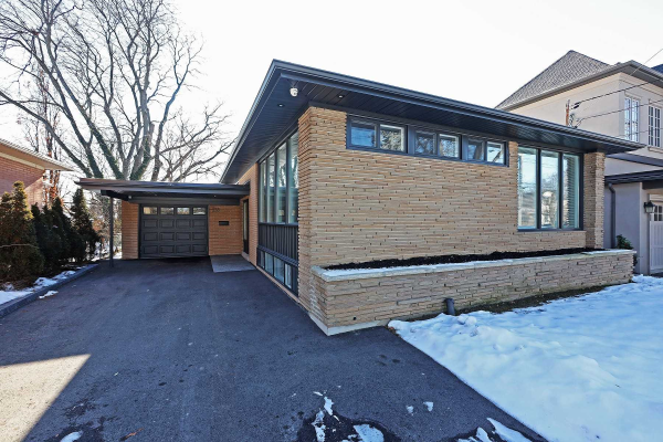 233 Betty Ann Dr, Toronto