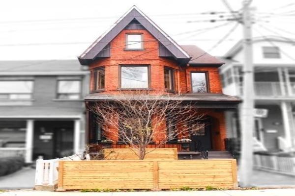 22 Lippincott St, Toronto