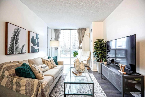 26 Olive Ave, Toronto