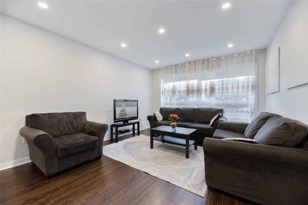 4251 Dufferin St, Toronto