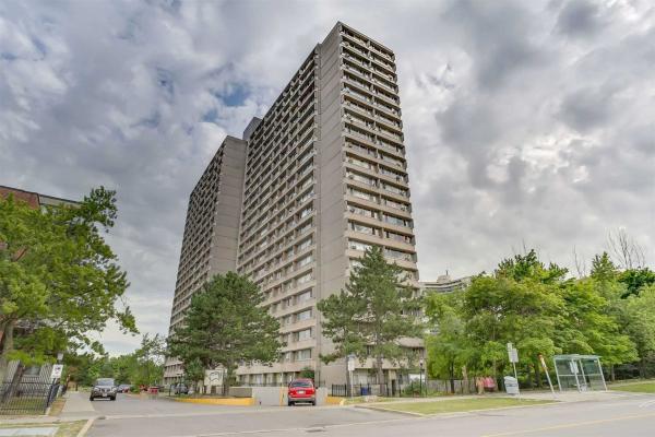 10 Sunny Glenway Glwy, Toronto