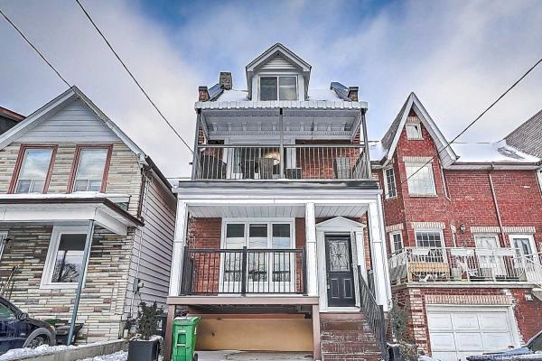 245 Oakwood Ave, Toronto