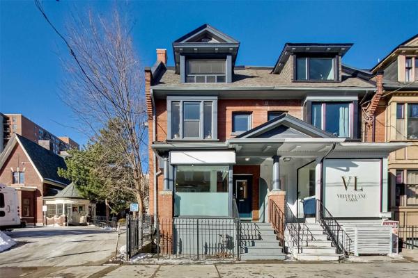 194 Carlton St, Toronto