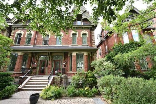 38 Earl St, Toronto
