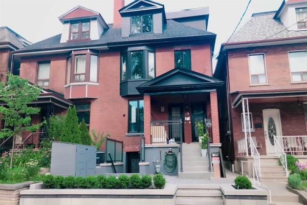 49 Beatrice St, Toronto