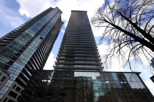 33 Charles St E, Toronto