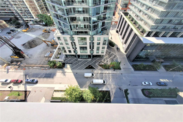 42 Charles St E, Toronto