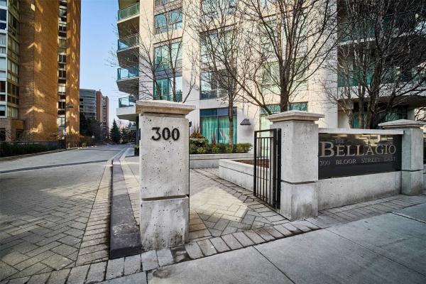 300 Bloor St E, Toronto