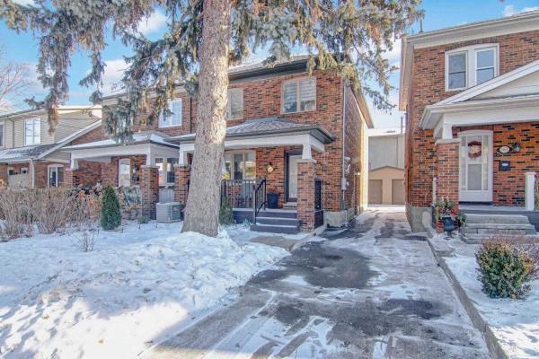 $1,799,000 • 665 Millwood Rd, Toronto