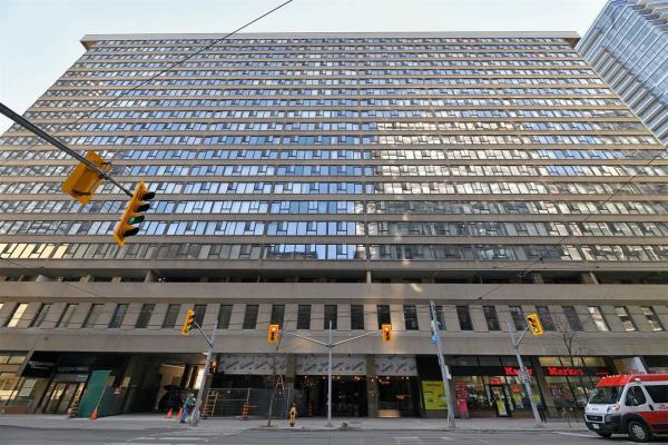 45 Carlton St, Toronto