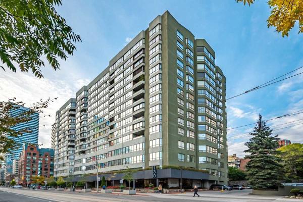 130 Carlton St, Toronto