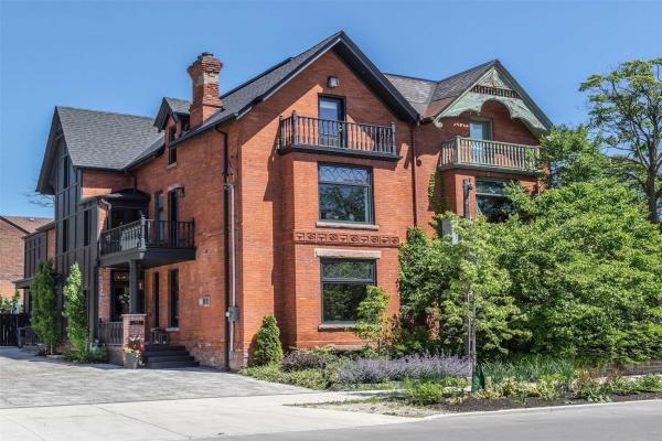 133 Bedford Rd, Toronto