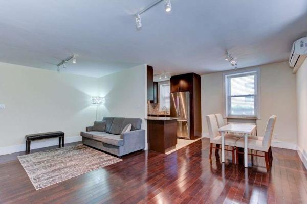2603 Bathurst St, Toronto
