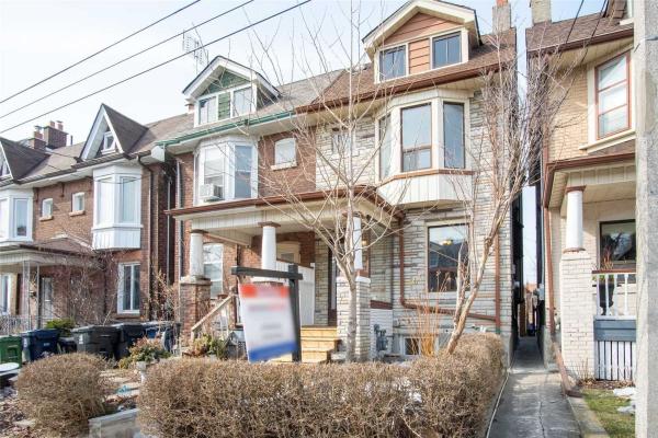 698 Manning Ave, Toronto