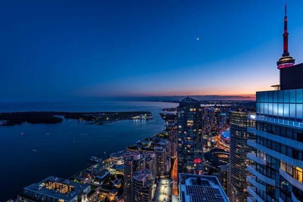88 Harbour St, Toronto