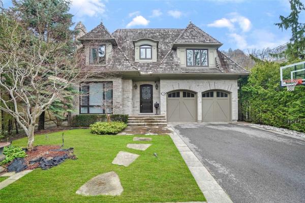 18 Brookfield Rd, Toronto