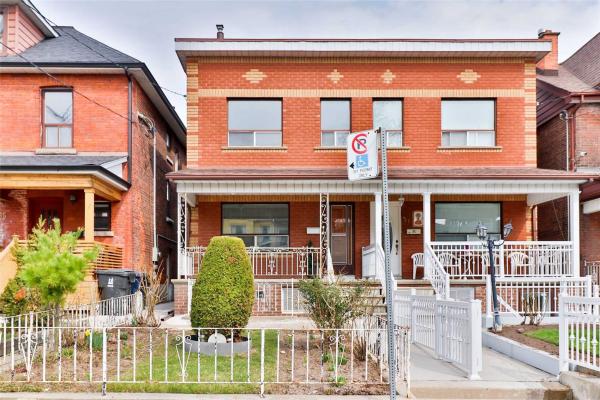 53 Montrose Ave, Toronto