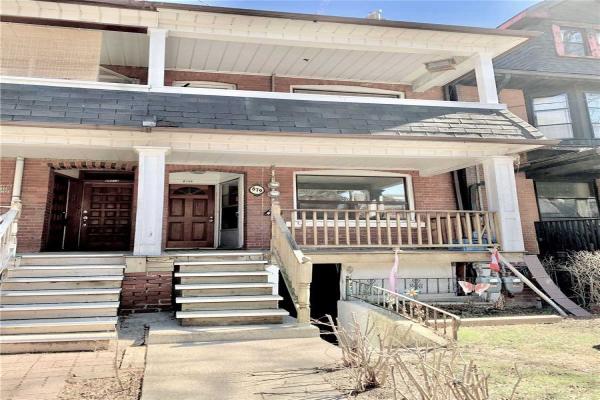 879 Palmerston Ave