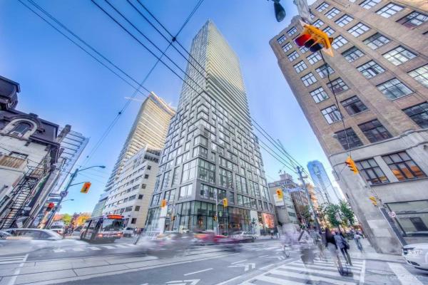 101 Peter St, Toronto