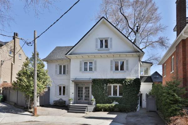 31 Edgewood Cres, Toronto